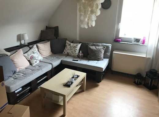 Gemütliche, gut geschnittene 2-Zimmer-Wohnung mit Einbauküche in Reisen