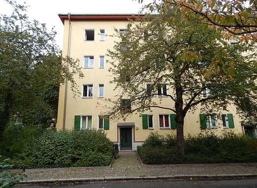 Ein tolles Paket zu erwerben! 8 Wohnungen mit Balkon in der ruhigen Sodtkestraße Prenzlauer Berg!