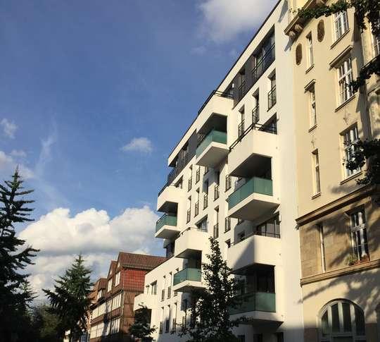 Wohnen in den Wallhöfen: Großzügige 3-Zimmer Wohnung mit Balkon in Neustadt, Hütten 