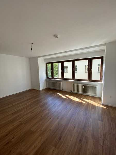 Freundliche, helle und sanierte 2-Zimmer Wohnung in Top-Lage in Augsburg-Innenstadt