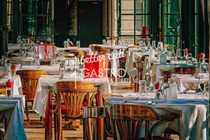 Klassisch hochwertig ausgestattetes Restaurant in