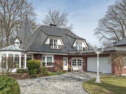 Einfamilienhaus mit Einlieg...