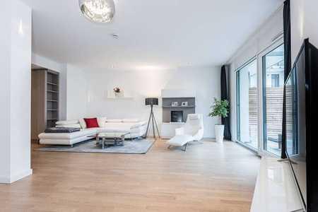 Schöne, helle Wohnung mit Loft-Charakter und Terrasse (möbliert) in Bogenhausen (München)