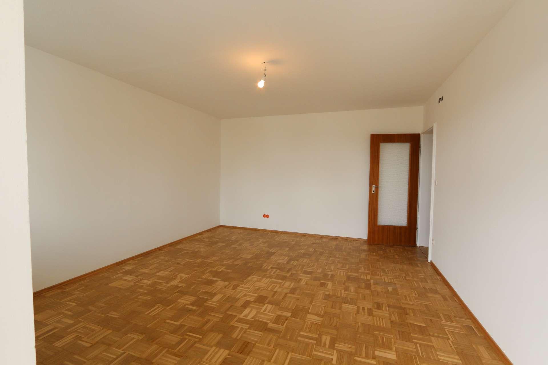 Helle renovierte 2-Zimmer-Wohnung in Reinhausen (Regensburg)