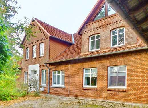 Wohnen und Vermieten +++ Teilvermietetes, charmantes MFH mit 5 WE und großem Grundstück nahe Bremen