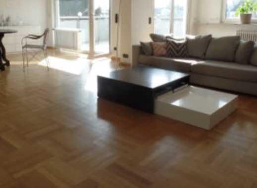 Hausen: Schöne, geräumige 3-Zimmer-PH-Wohnung mit zwei Balkonen