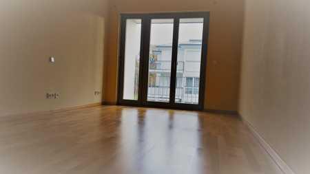 Helle 3-Zimmer-Wohnung mit Einbauküche in Solln, München in Solln (München)