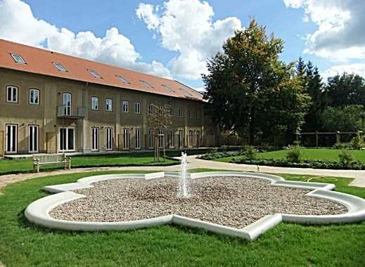 """""""Schloss Güterfelde"""": Sonniges Stadthaus mit Gartenterrasse im Park des """"Chateau de Roon"""""""