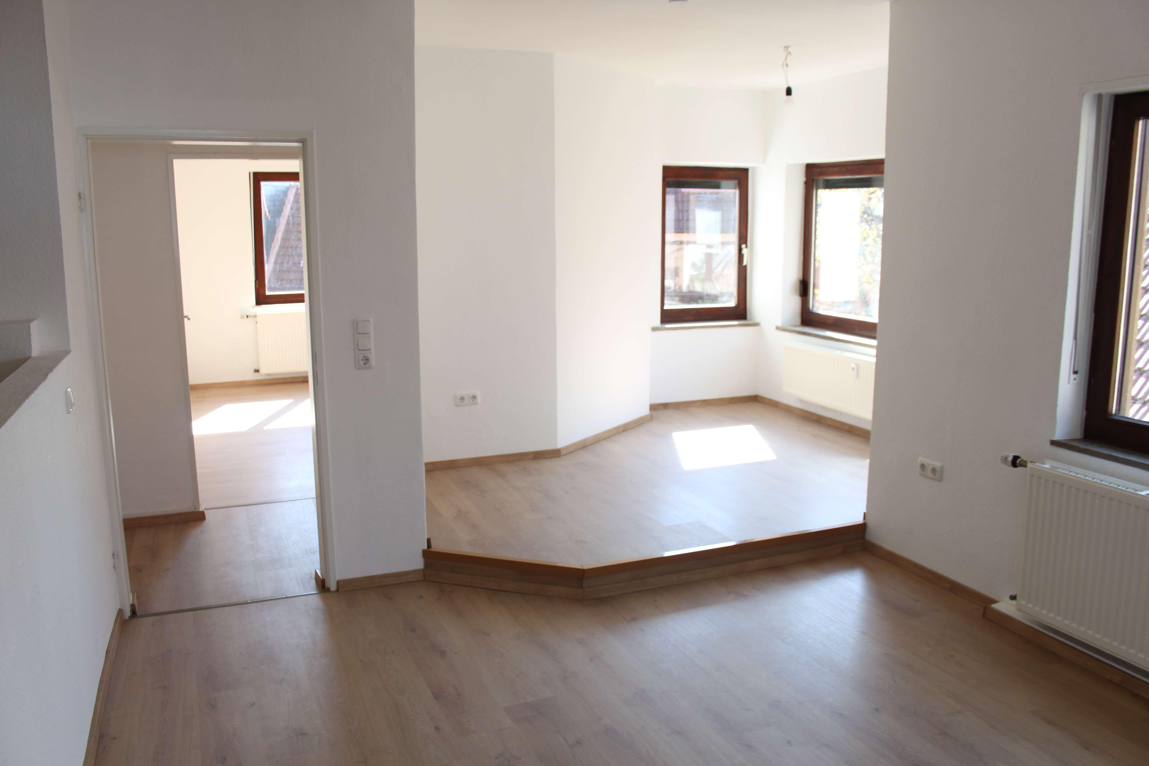 Erstbezug nach Sanierung: attraktive 3,5-Zimmer-Wohnung mit EBK in Alzenau in Unterfranken