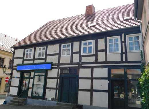 Sanierungsobjekt für Investoren! Wohn- und Geschäftshaus im Herzen von Havelberg! - EINZELDENKMAL