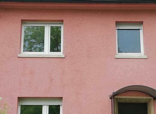 Schönes, geräumiges Haus mit fünf  Zimmern in Nürnberg, Ziegelstein