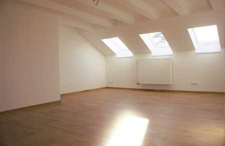 Vollständig sanierte, lichtdurchflutete, ein Zimmer Wohnung in Landshut, Ergolding-West in Ergolding