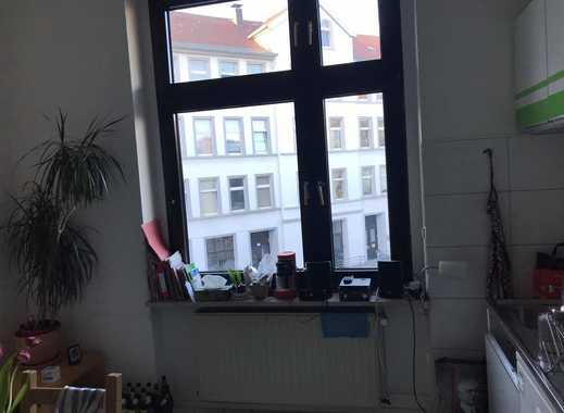Room for rent in our WG/ Nachmieter für 3er WG gesucht 295euro alles Inkludiert