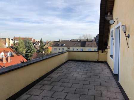Zentral gelegene 5-ZKB-Maisonettewohnung mit großer Dachterrasse in Lechhausen in Lechhausen (Augsburg)
