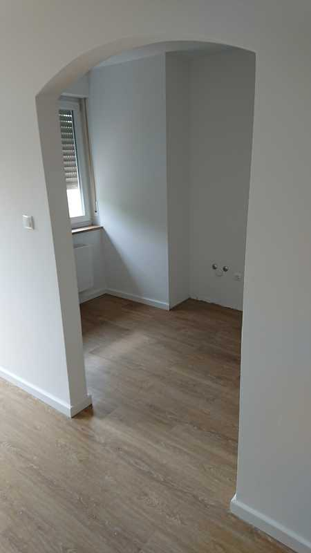 Erstbezug nach Sanierung: exklusive 1-Zimmer-Wohnung mit Einbauküche und Balkon in Gersthofen in Gersthofen