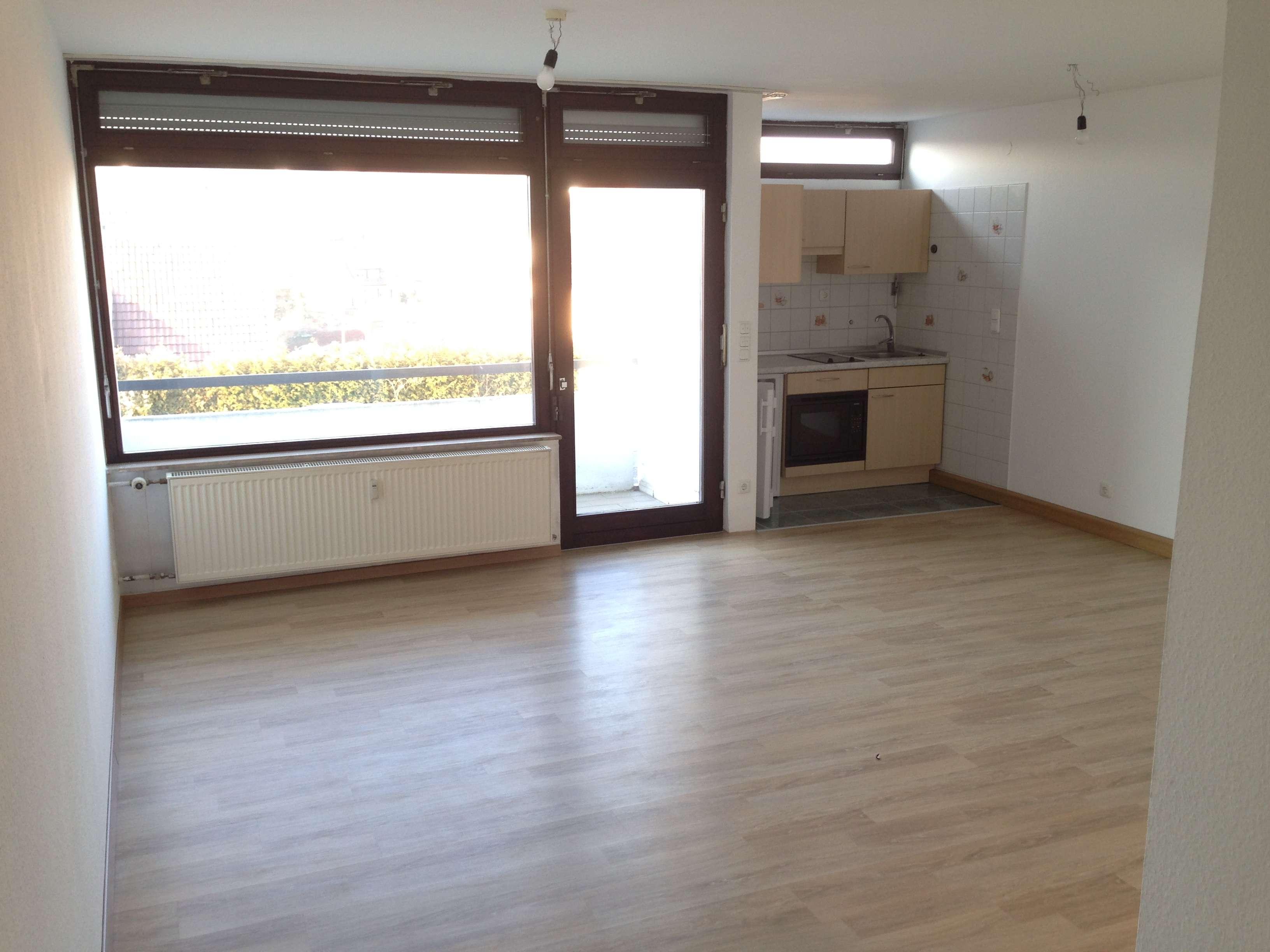 Schöne, helle 1-Zimmer-Wohnung mit Balkon in Würzburg, Versbach. in