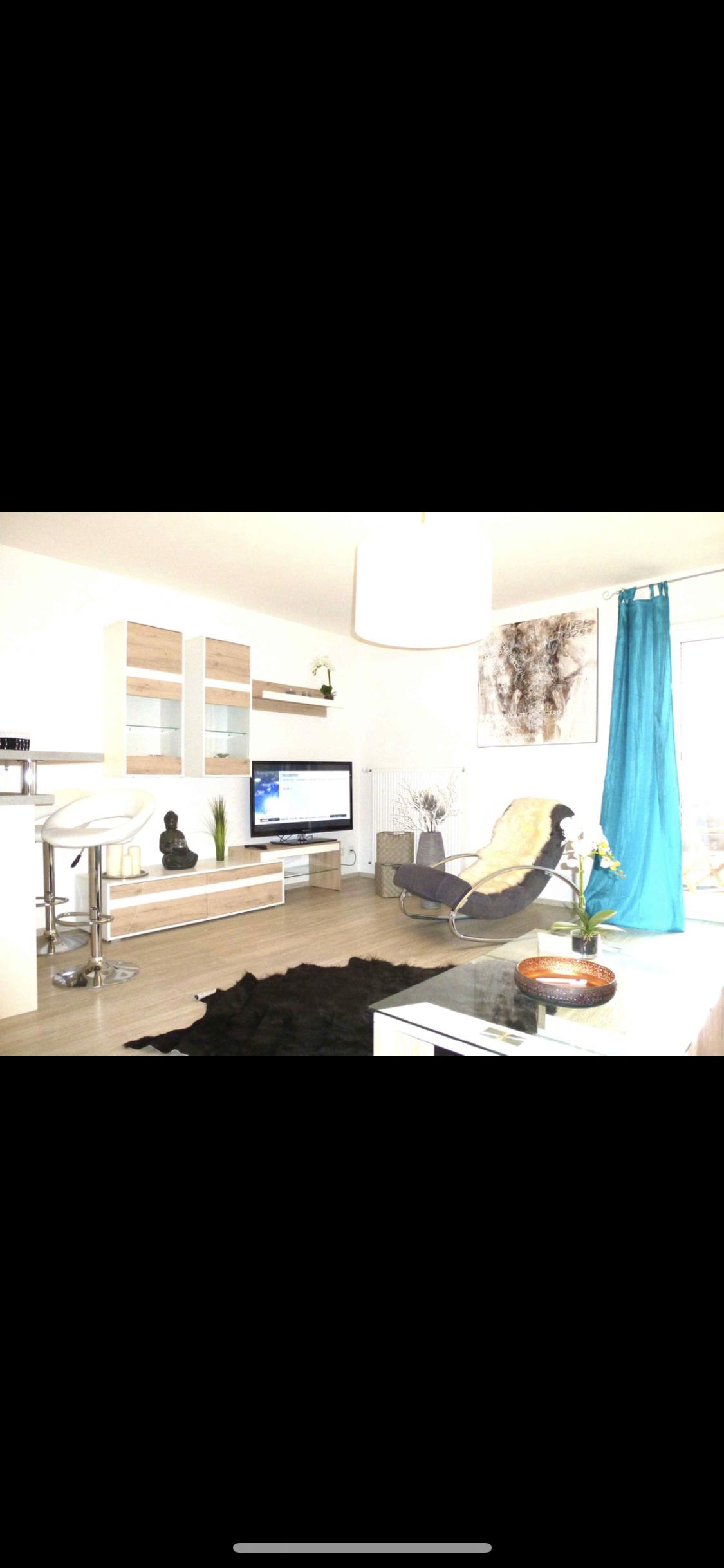 Exklusive, geräumige und neuwertige 1-Zimmer-Wohnung mit Balkon und EBK in Landshut in Altstadt (Landshut)