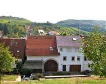 Teilmodernisiertes Bauernhaus mit riiiiesiger Scheune