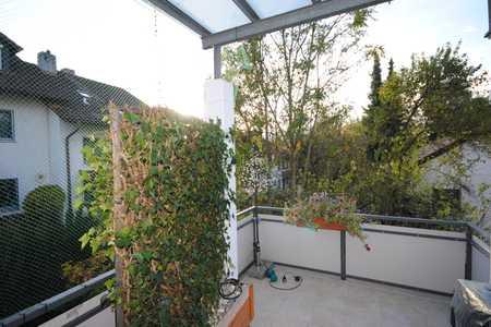 Ruhig und Zentral - Sehr gepflegte, helle 3-Zimmerwohnung mit großem Balkon u. Tiefgaragenstellplatz in Erding