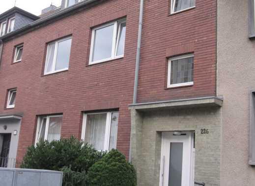 Wunderschöne helle 3 Zimmer Wohnung mit Balkon in zentraler Lage