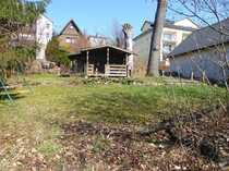 Schönes Baugrundstück mit Gartenhaus im