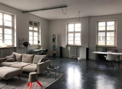 Moderne Loftwohnung in stilvollem Altbau