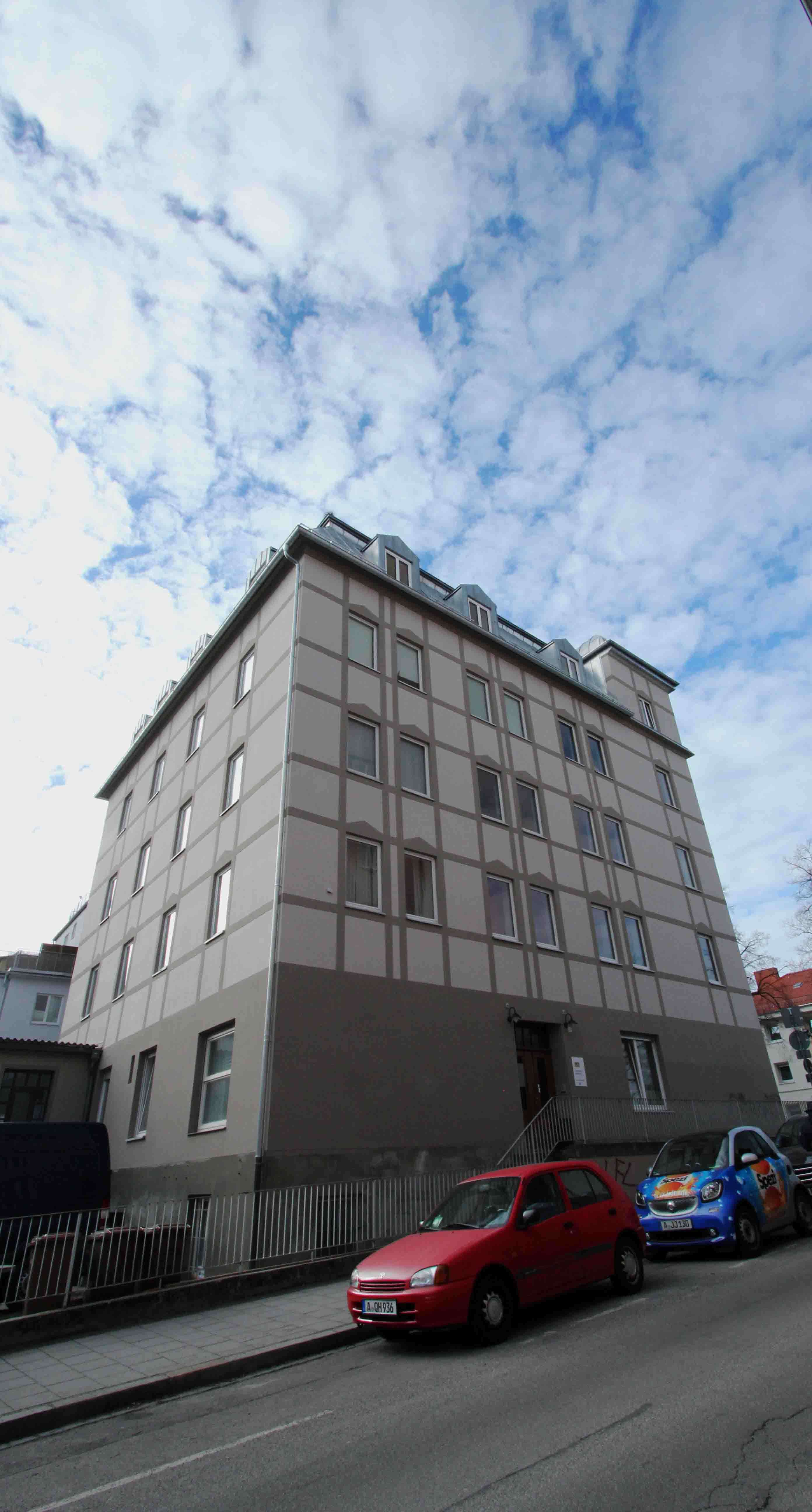 Ab 01.11.19 oder später - Top Lage - großzügige Altbauwhg. - Lift - Balkon -  Nähe Hbf. in Augsburg-Innenstadt