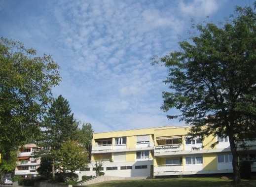 Freundliche 1,5-Zimmer-Wohnung mit Balkon und Einbauküche in schöner Lage