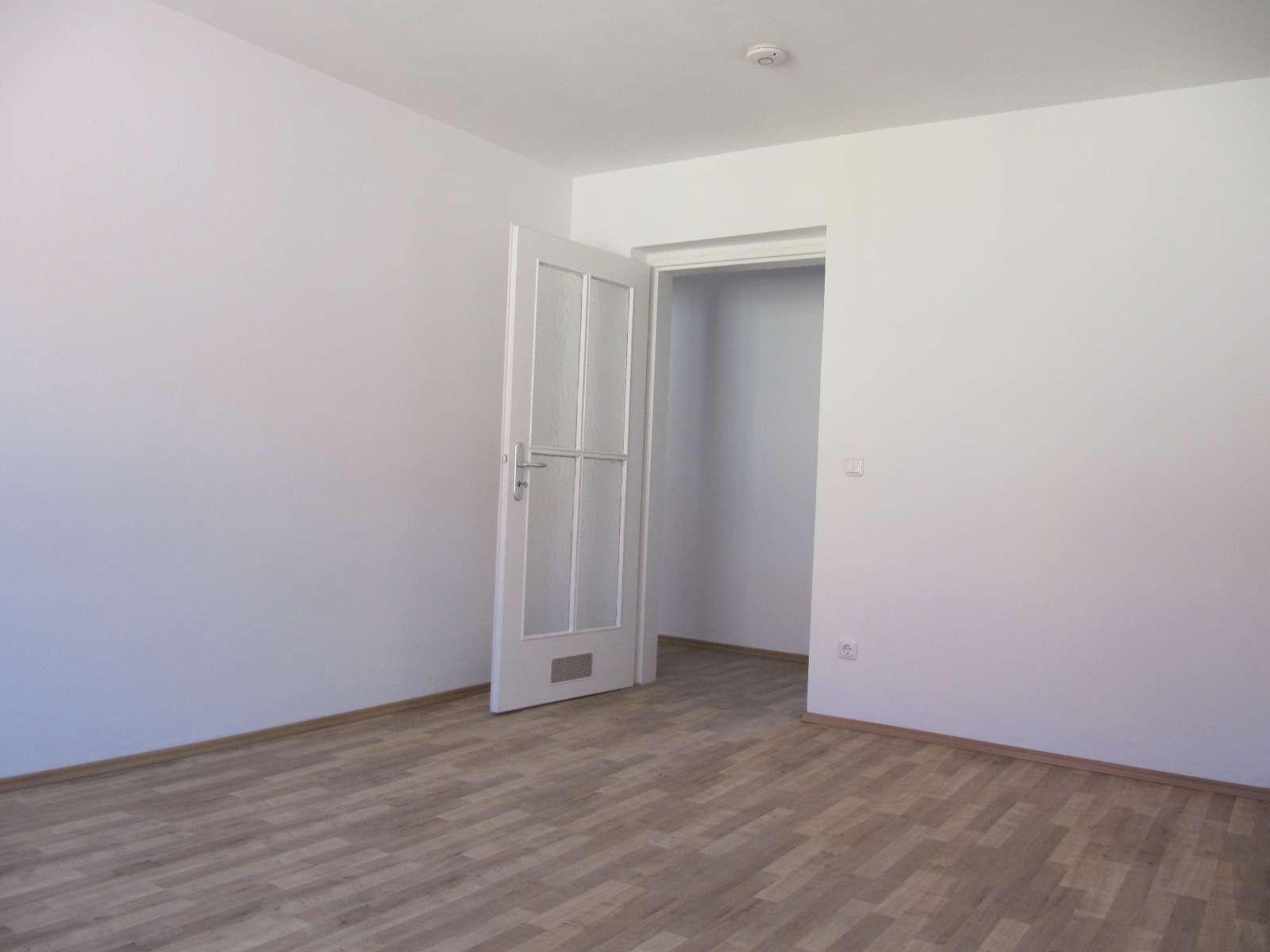 Nähe Gugelstrasse ! Renovierte 3-ZW ca. 85 m², Laminat, Balkon, 2.OG ohne Aufzug in Gugelstraße (Nürnberg)