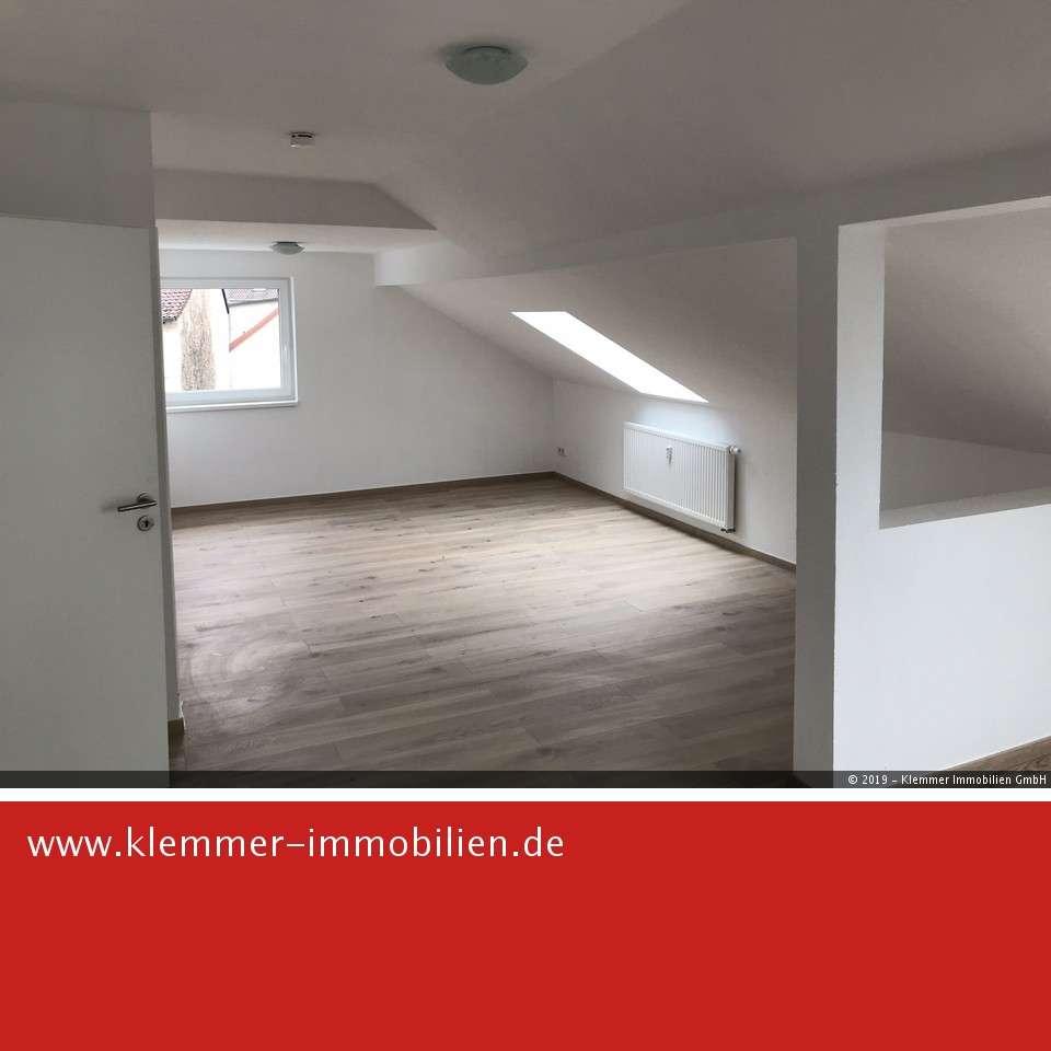 Erstbezug nach Sanierung - großzügige Dachgeschosswohnung in Frammersbach
