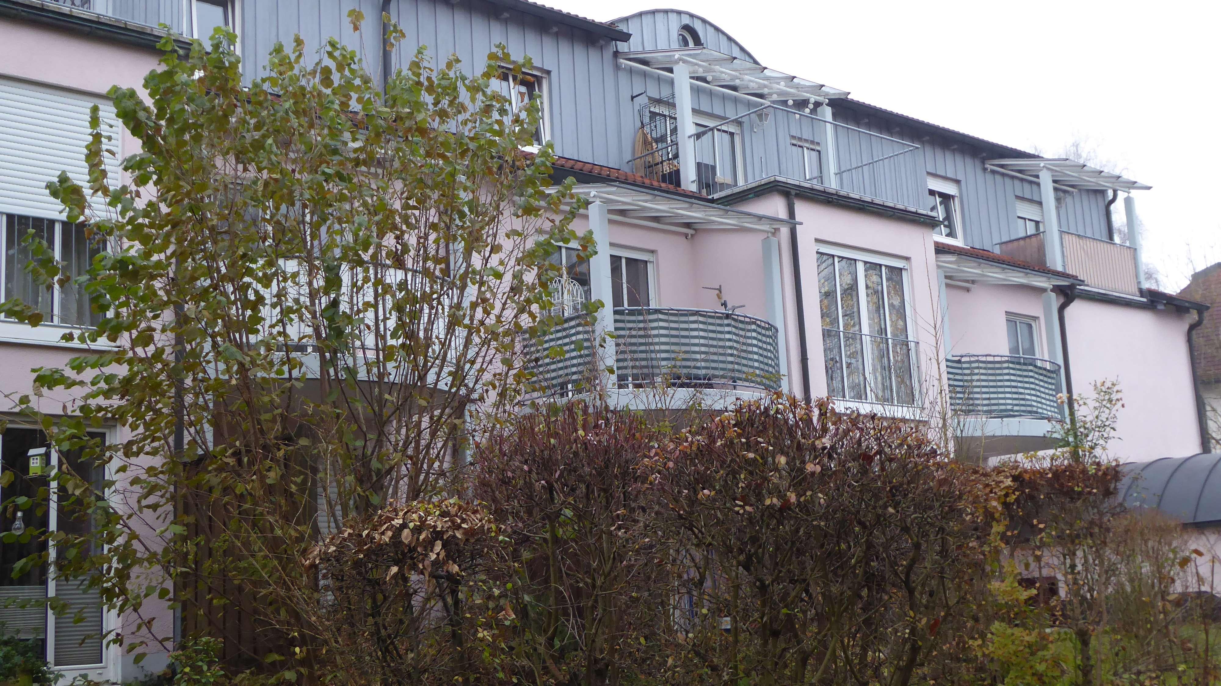 Exklusive, gepflegte 2-Zimmer-Wohnung mit Balkon und Einbauküche in Freising in