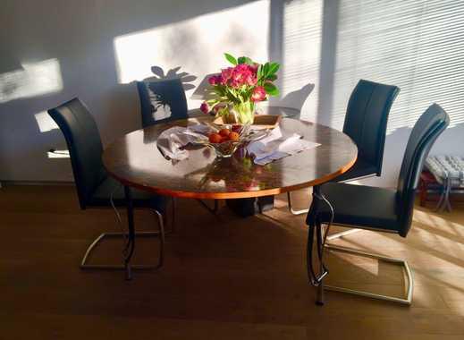 Außergewöhnlich schöne 2-Zimmer-Wohnung mit Süd-Balkon und Top-Möblierung in Oberkassel