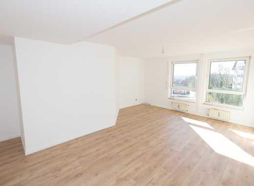 Erstbezug nach Umbau: helle 3 Zimmer-Wohnung