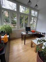 Schöne Altbau-Wohnung mit Blick ins
