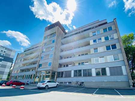 Erstbezug nach Sanierung ! Schönes 1-Zimmer Apartment mit Balkon & EBK ! in City (Bayreuth)