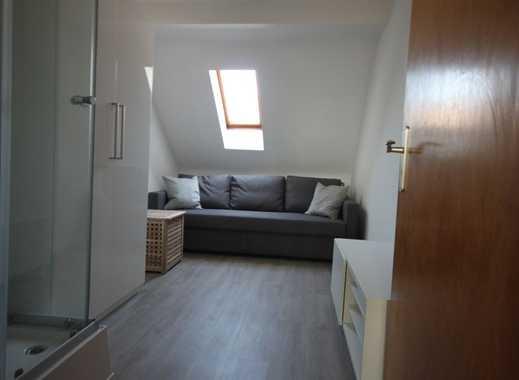 Lindenthal, Altbau, frisch renoviert, 2-Zimmerapp., möbeliert -keine WG-