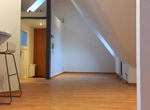 Schöne zwei Zimmer Dachgeschosswohnung in Köln, Sülz