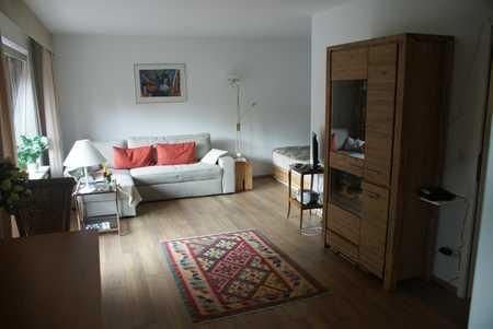 Helles, sonniges (Süd/West Lage)  möbliertes Apartment in Toplage Solln, Nähe S-Bahn in Solln (München)