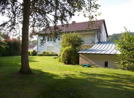 Passau-Innstadt: Mehrgenerationenhaus auf großem Grundstück mit viel Potential