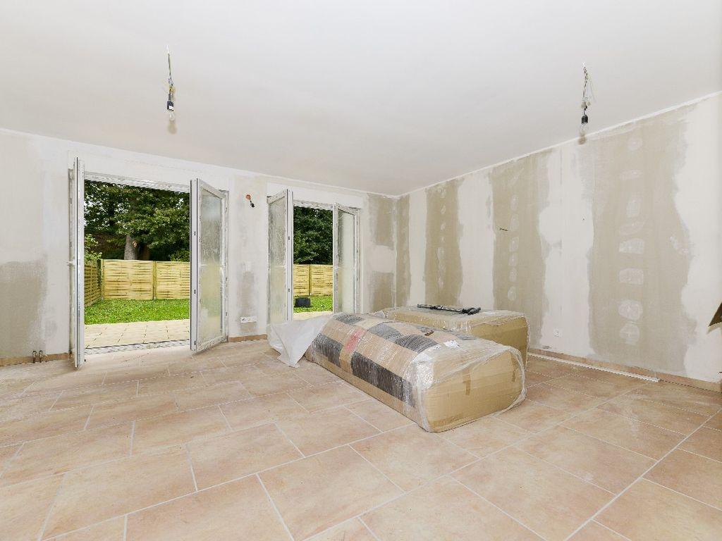 Wohnzimmer mit Zugang zur Terr