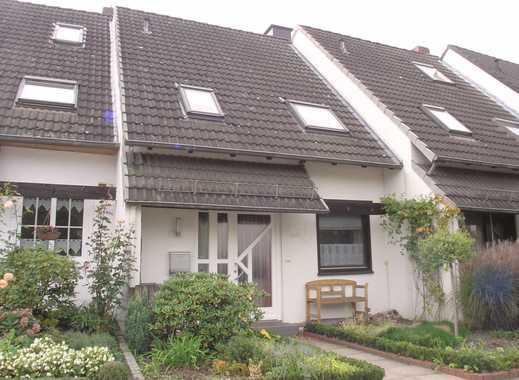 ***Ruhig gelegenes, gepflegtes 4-Zimmer-Reihenmittelhaus m.  Einbauküche, Balkon, Garten und Garage.
