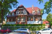 Bild Fürstlich – großzügige  Erdgeschosswohnung mit privater Terrasse im Garten