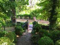 Liebhaberobjekt Denkmalgeschützter Hof auf großem