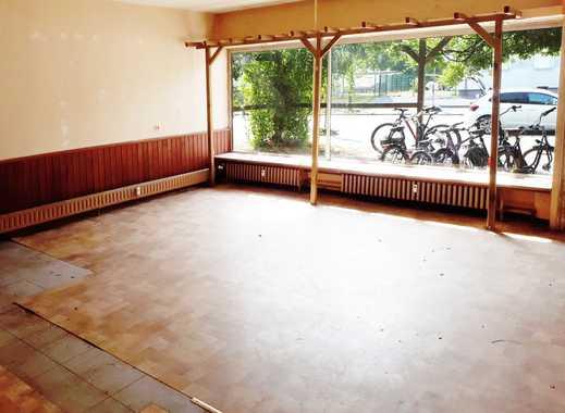 Ladenlokal mit großzügiger Schaufensterfront
