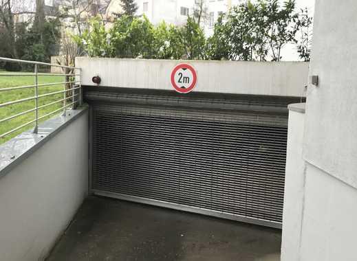 Stellplatz in geschlossener Tiefgarage
