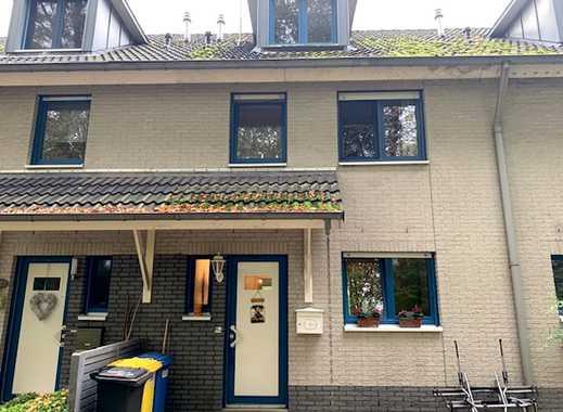 Haus sucht Familie. Vollunterkellertes RMH mit Garage und Stellplatz in Solingen-Merscheid!