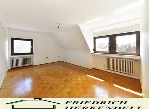 Ruhige Wohnung im Zweifamilienhaus + Parkettböden + neues Bad + Balkon