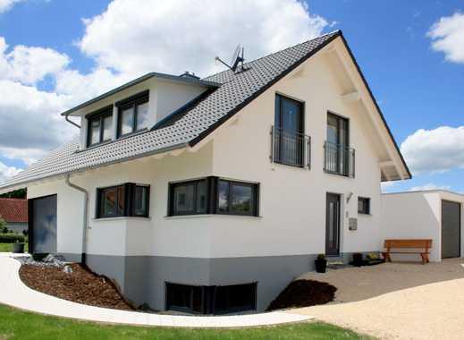 Massives Architektenhaus, Neubau, mit Keller und Grundstueck in Eigeltingen