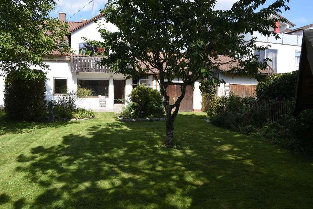 4 Zimmer EG Wohnung in ZFH  mit großem Garten in Forstinning