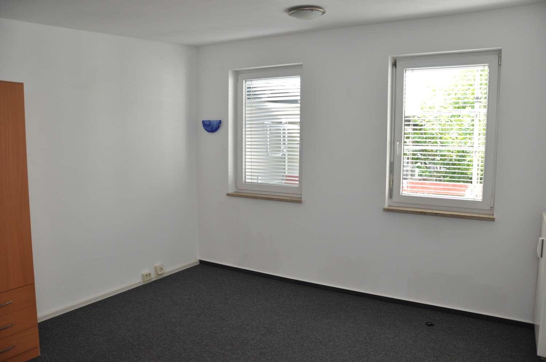 1 Zimmer Studenten-Appartement * gegenüber HS *